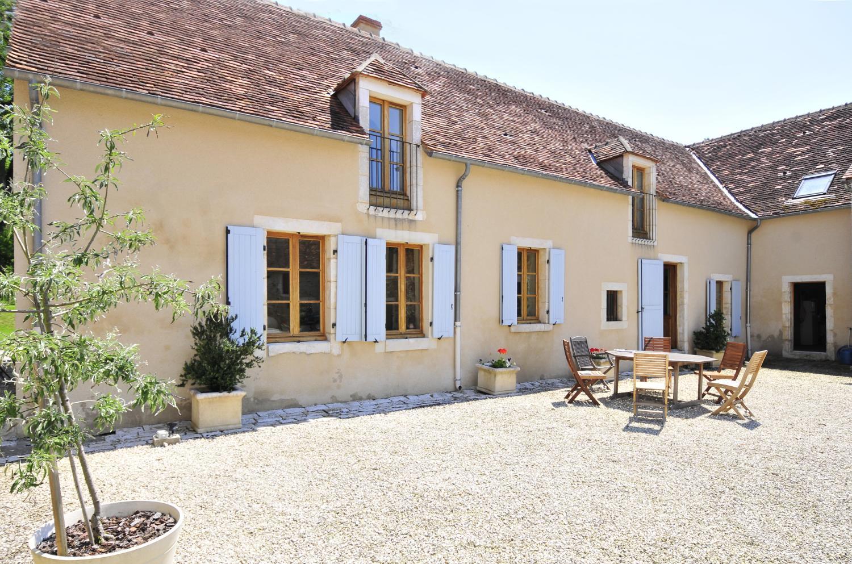 Villa Exterior 2, Ferme de Campagne, St Gaultier, Loire.