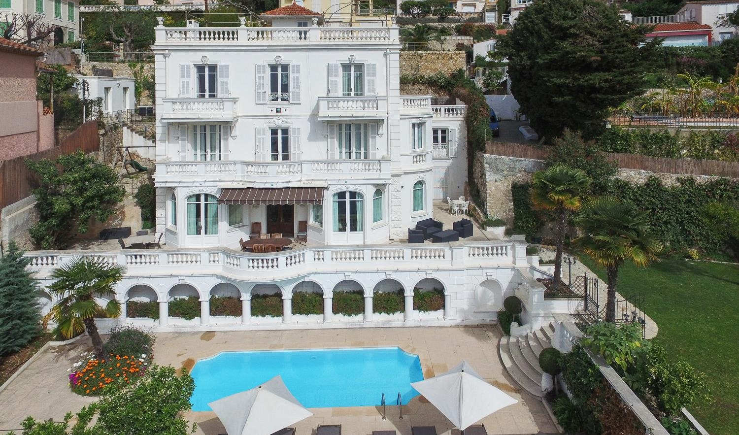 Cote d'Azur luxury villa with pool and sea views