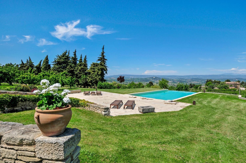 Villa Garden, La Gardiole, Bonnieux, Provence.