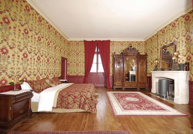Bedroom 1, Chateau de Siorac, Annesse et Beaulieu, Dordogne.