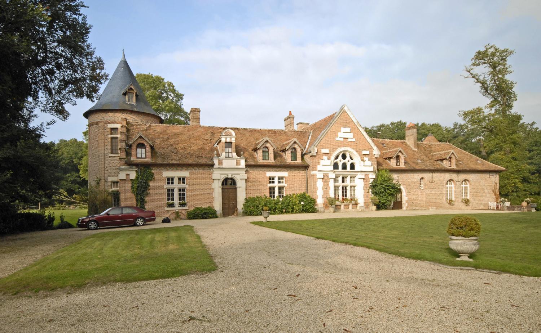 Villa Exterior, Chateau des Perdrix, Millancay, Loire.