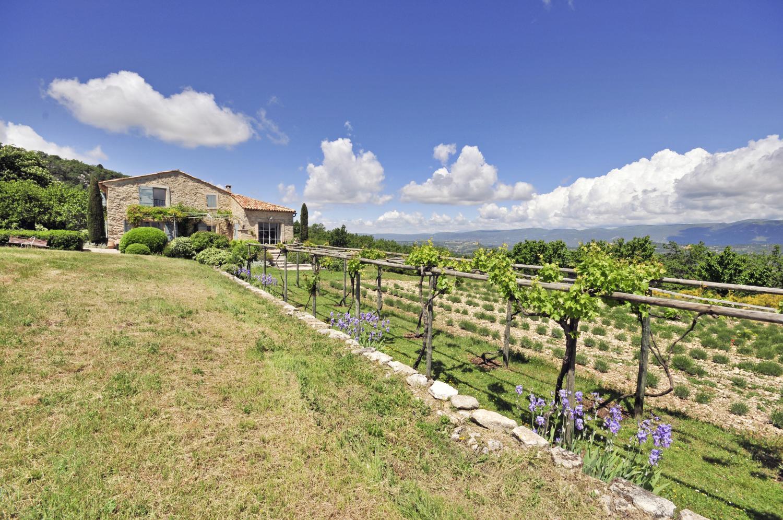 Villa Garden, Le Marronnier, Saignon, Provence.