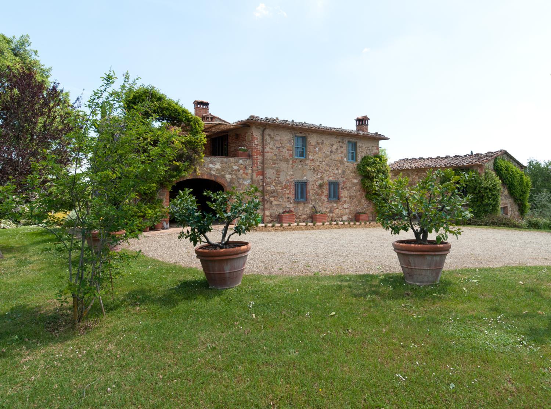 Villa Exterior, Collina Degli Ulivi, Arezzo, Tuscany.
