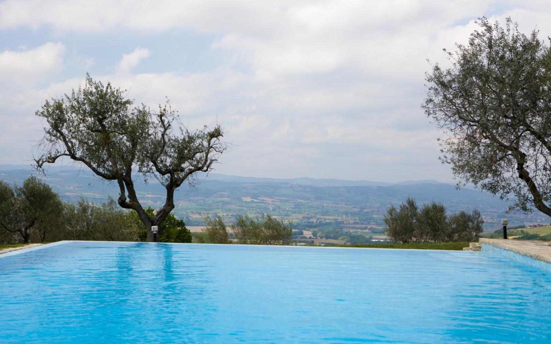 Pool 2, Lampone, Collazzone, Umbria.