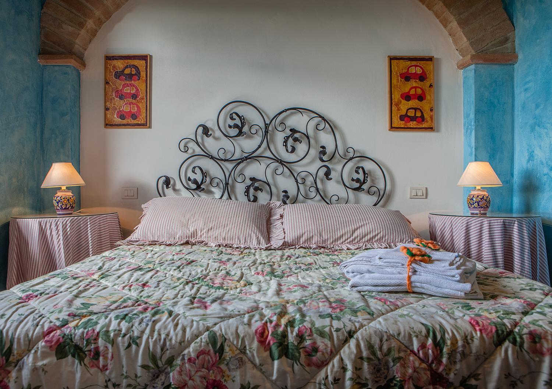 Bedroom 1, Fragolino, Collazzone, Umbria.