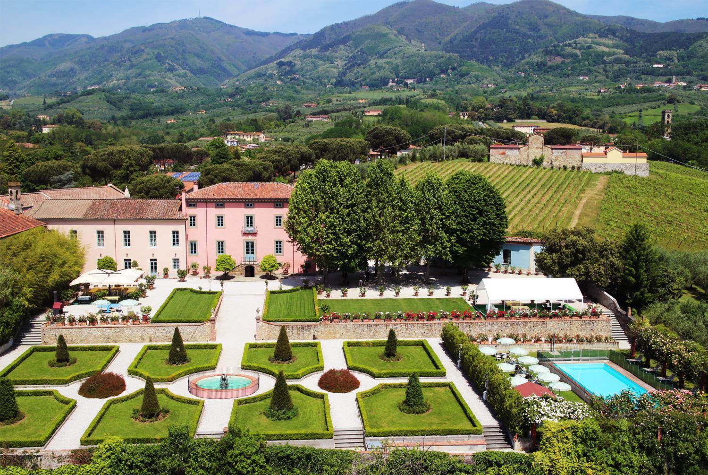 villa near Lucca exclusive aristocratic