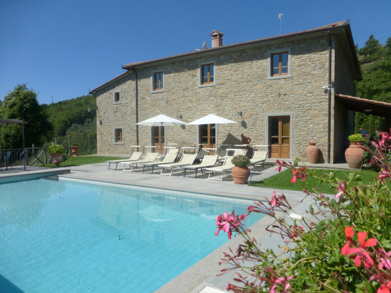 Giuseppina Tuscany villa with pool