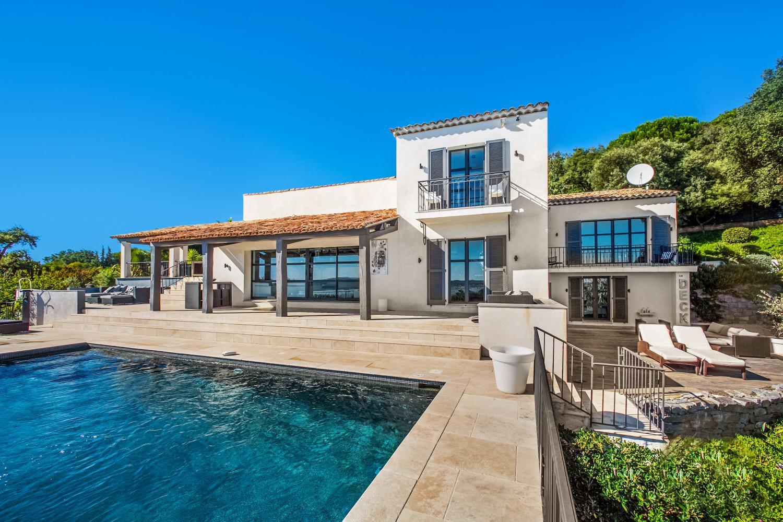 Pool Area 2, Le Ciel Bleu, Beauvallon, St Tropez Var.