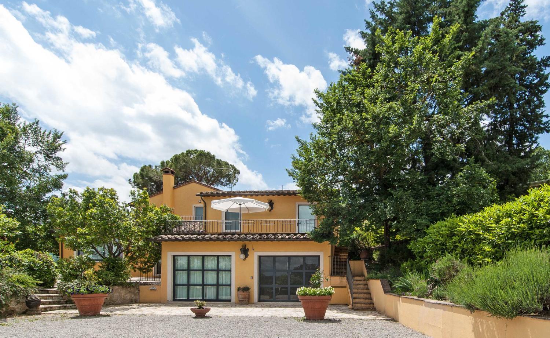 Villa exterior, Biancaserena, Tuscany, Cetona.