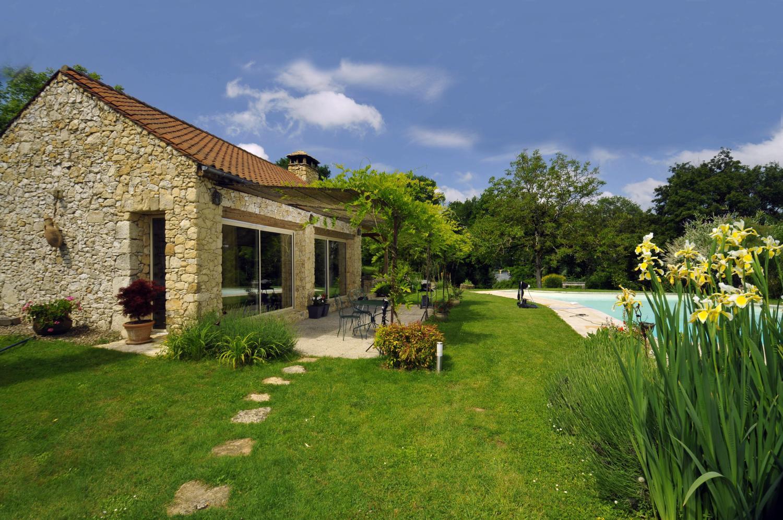 For rent Dordogne cottage river luxury