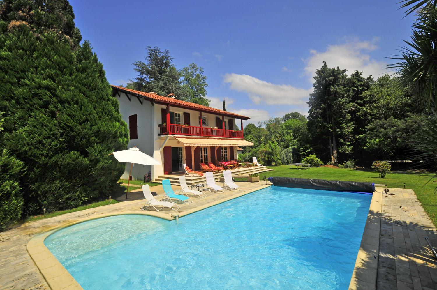 Biarritz family town villa with heated pool