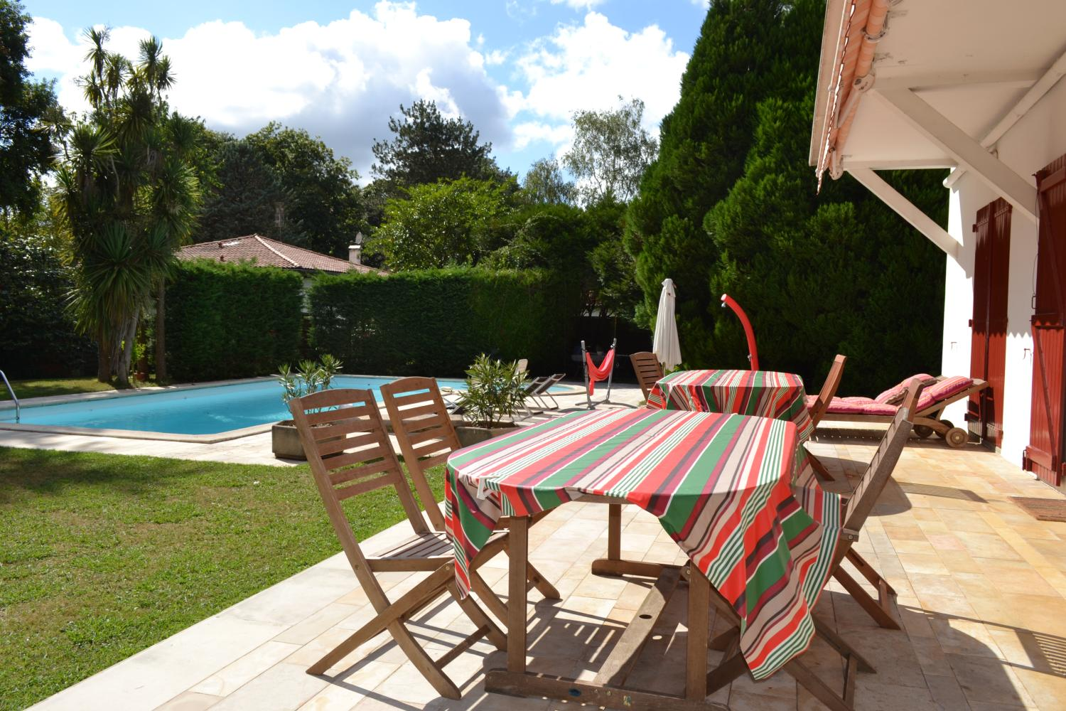 Biarritz family town villa witown villa family BIarritz heated pool