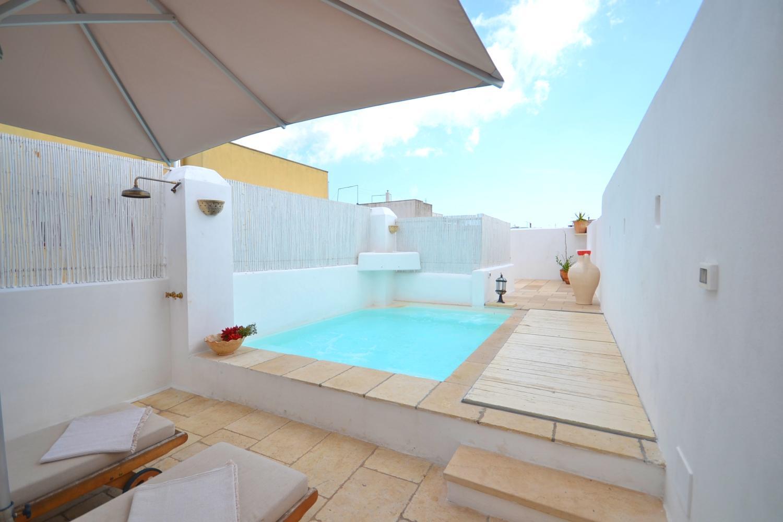 roof top pool town house Puglia