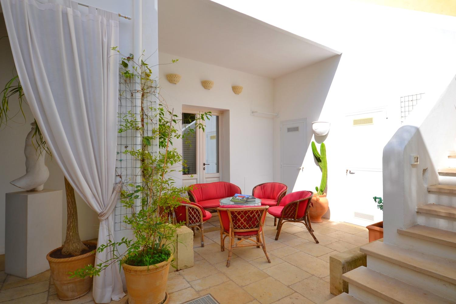 Puglia town house with roof terrace pool