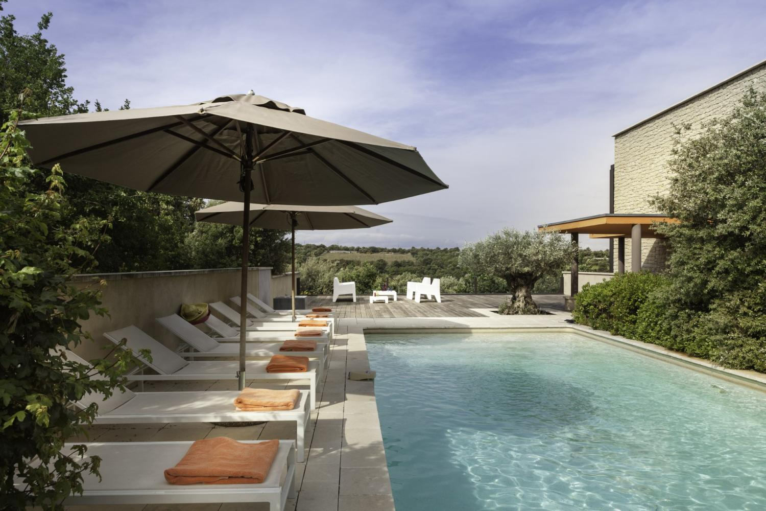 Contemporary villa Provence with views