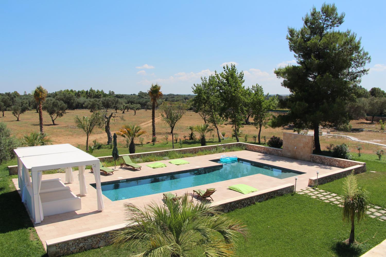 uglia farmhouse luxury pool