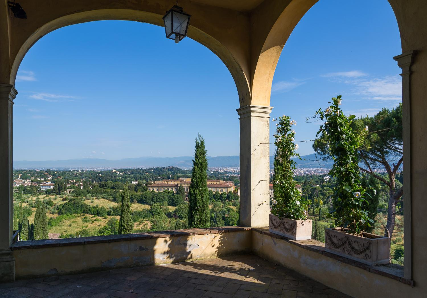 Tuscan hills period villa to rent in Florence