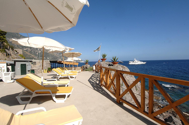 Outdoor Sun Loungers, Il Pellicano, Positano, Amalfi Coast Campania.