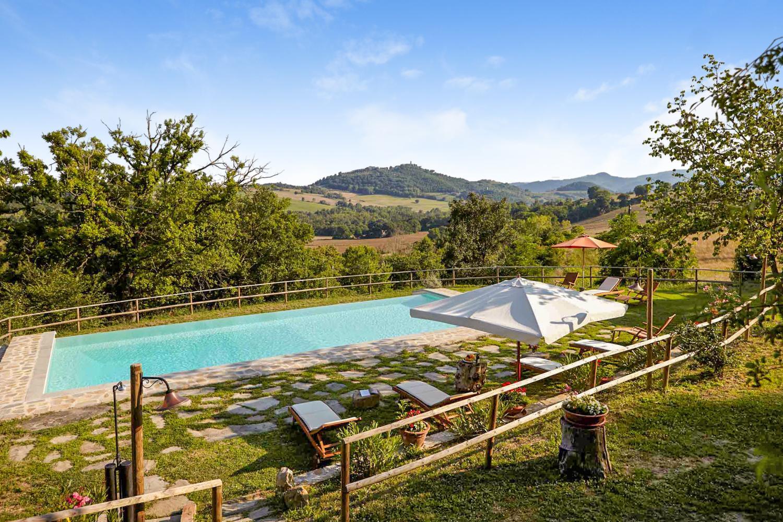 Outdoor pool 5, Casa Benazzone, Umbria, Perugia.