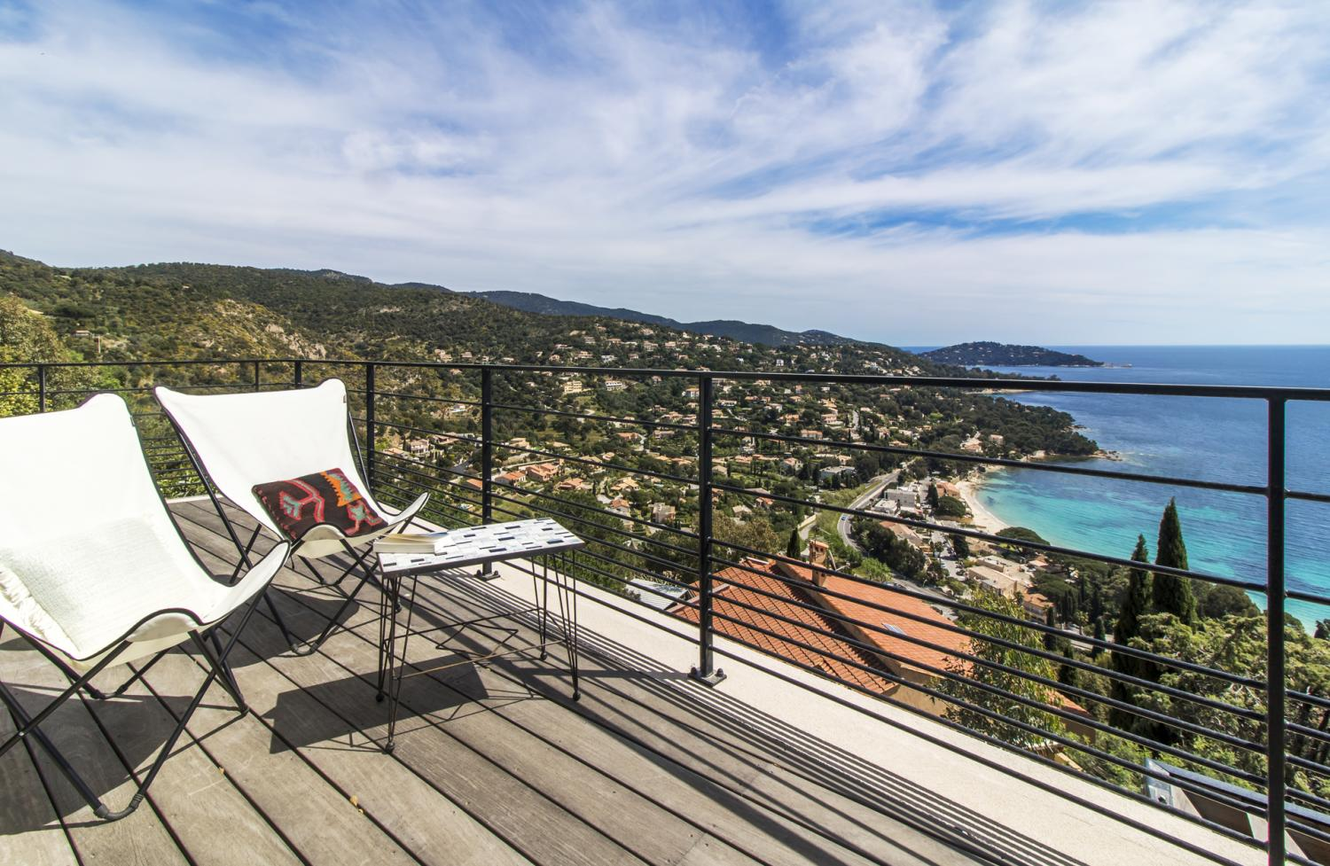Balcony chairs with sea view, Aigue Marine, St Tropez Var, Cavaliere.