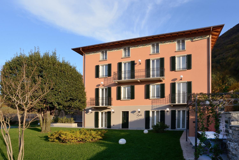 lakeside villa rental near Bellagio