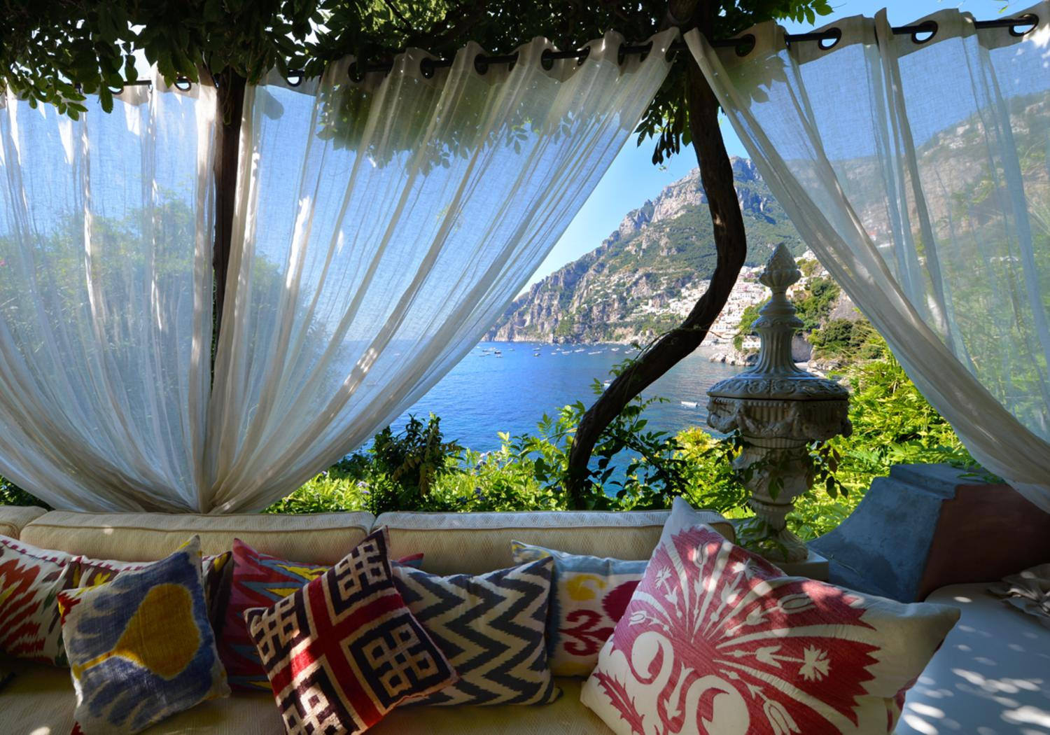 Covered Outdoor seating, La Divina, Positano, Amalfi Coast Campania.