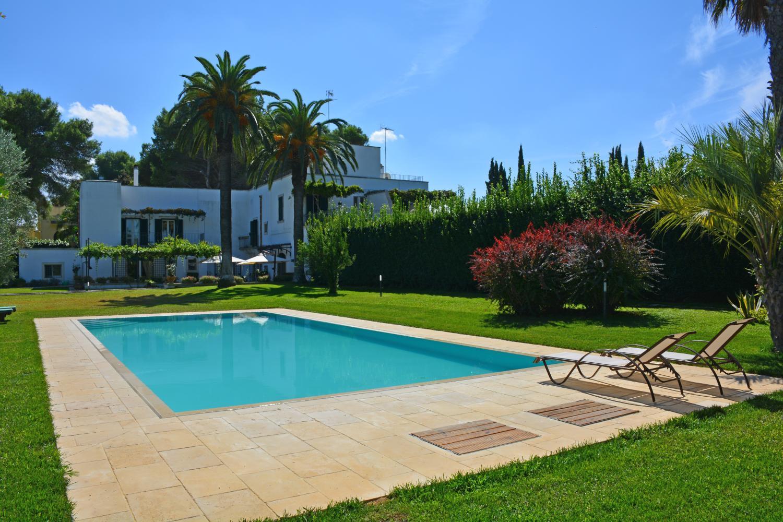 air conditioned villa with pool in Salento