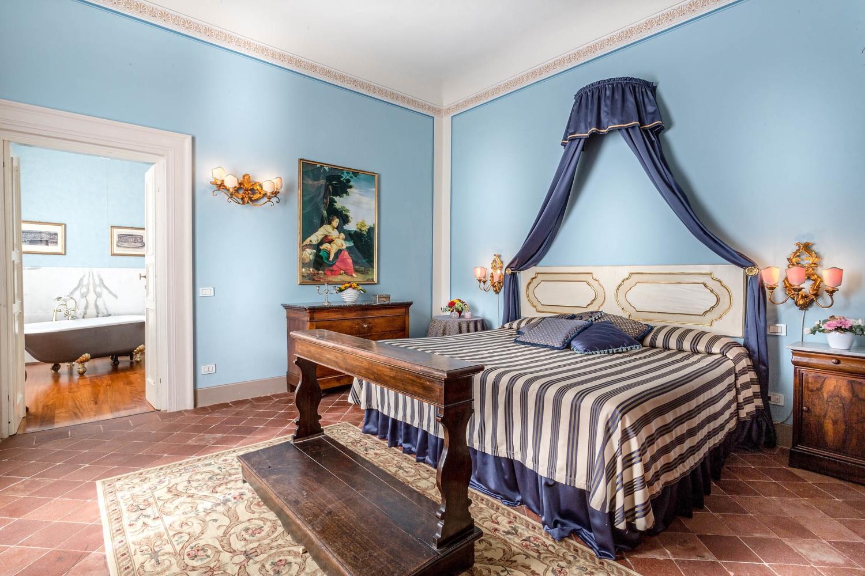 Villa Vorno Tuscany Blue bedroom
