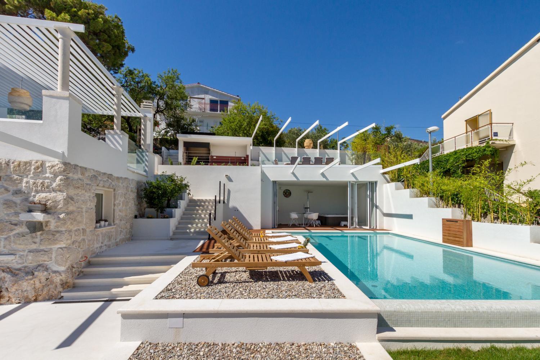 croatia, Split Riviera, Primosten, villa Nika, pool & indoor Jacuzzi