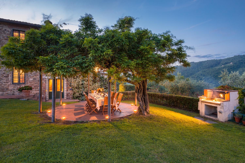 Outdoor dining area, Villa Bucolica I,Tuscany, Monsummano Terme