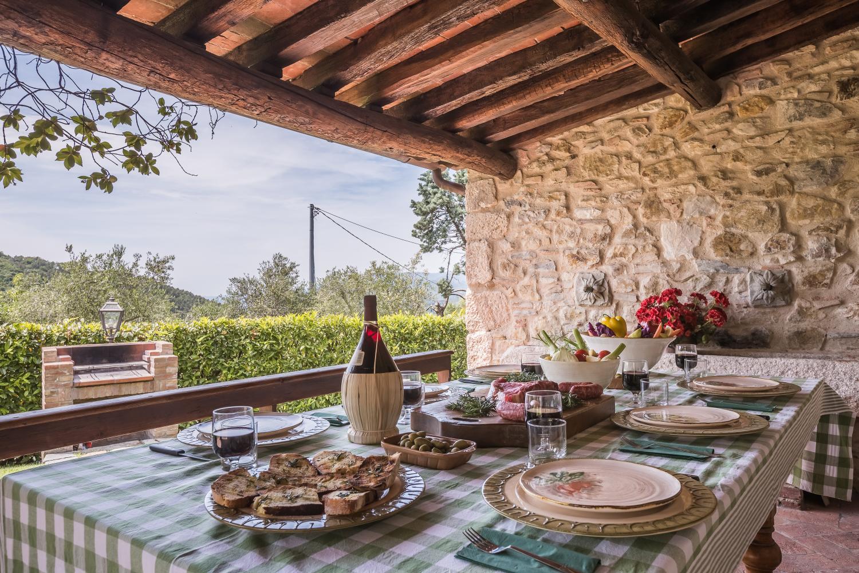 Covered terrace area, Villa Bucolica II, Tuscany, Monsummano Terme