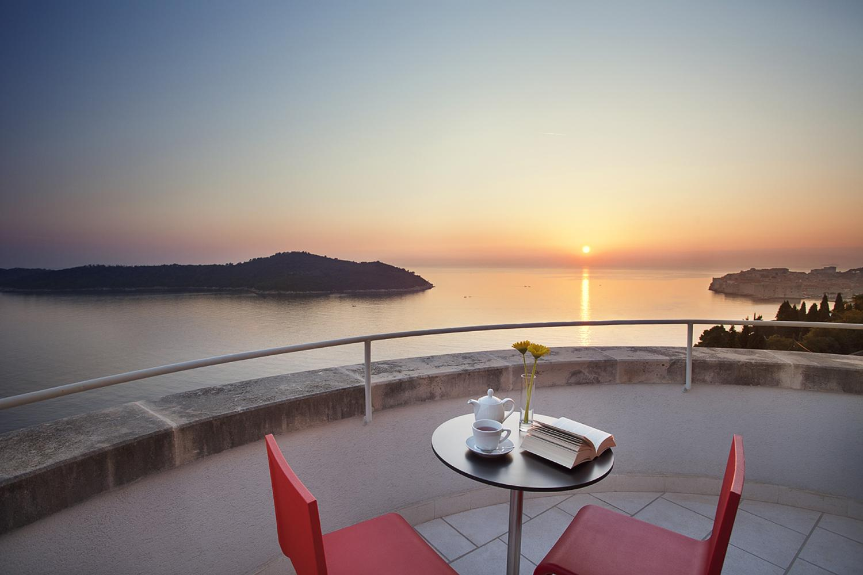 Croatia, Dubrovnik Riviera, Dubrovnik, villa Lucija, sunset on the terrace