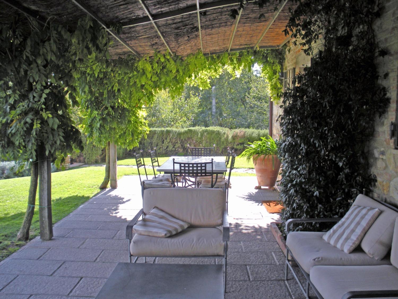 covered terrace, Il Sismano, Avigliano, nr Todi, Umbria