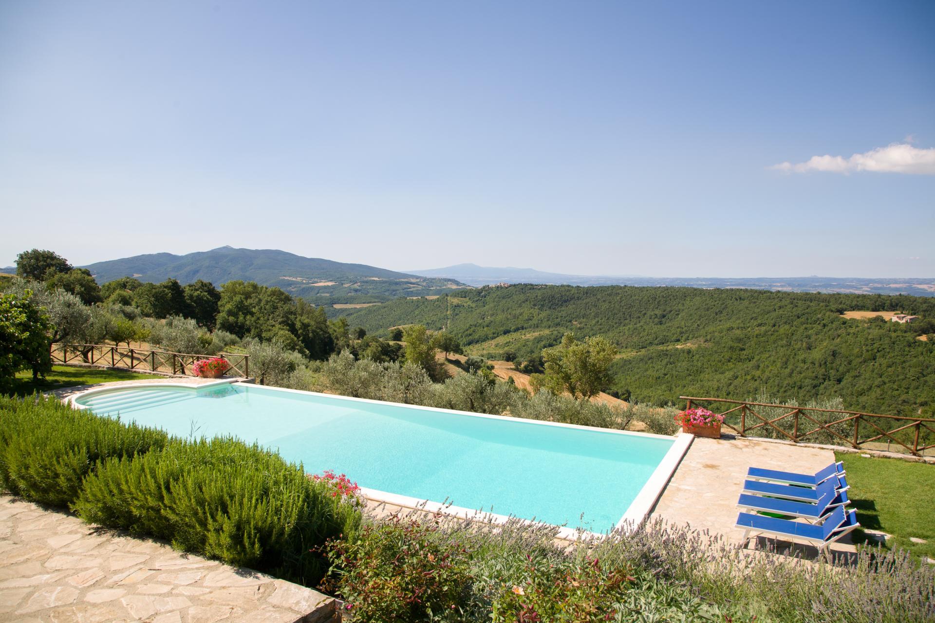 Outdoor Pool Views, Domus Romana, Todi, Umbria.