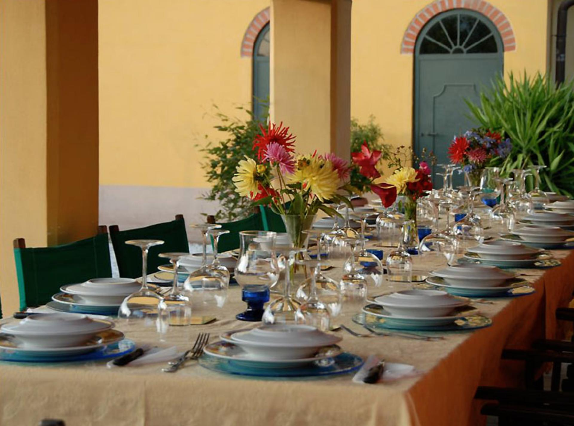 Dining table, Casa Limone, Tuscany, Lucca.