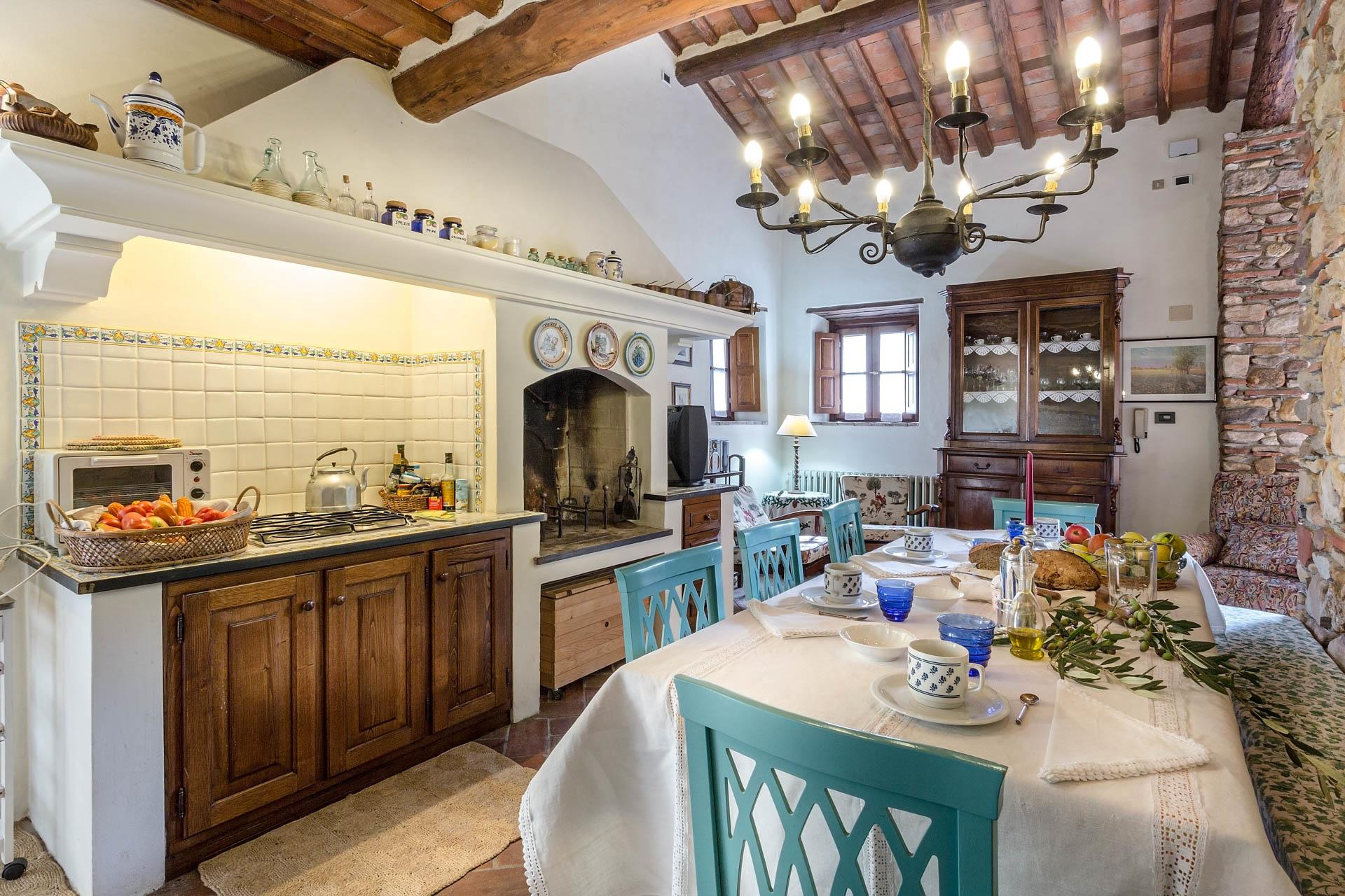 Kitchen and dining table, Casa Agrume, Tuscany, Lucca.