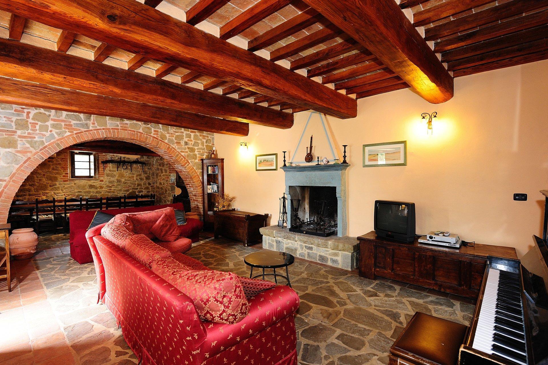 Living Room with Piano, Giulietta, Tuoro sul Trasimeno, Umbria.