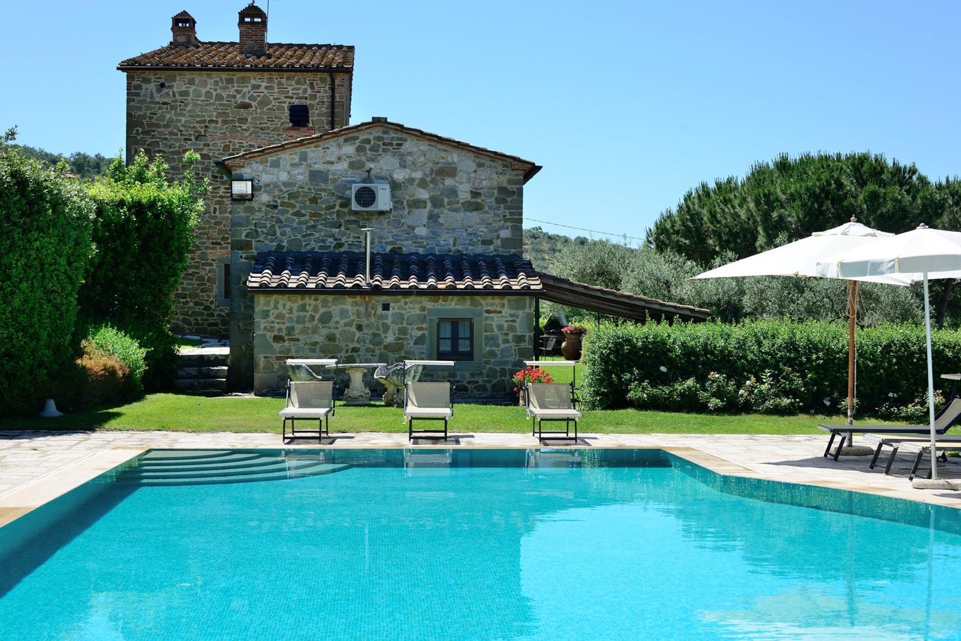 Outdoor Pool 2, Giulietta, Tuoro sul Trasimeno, Umbria.