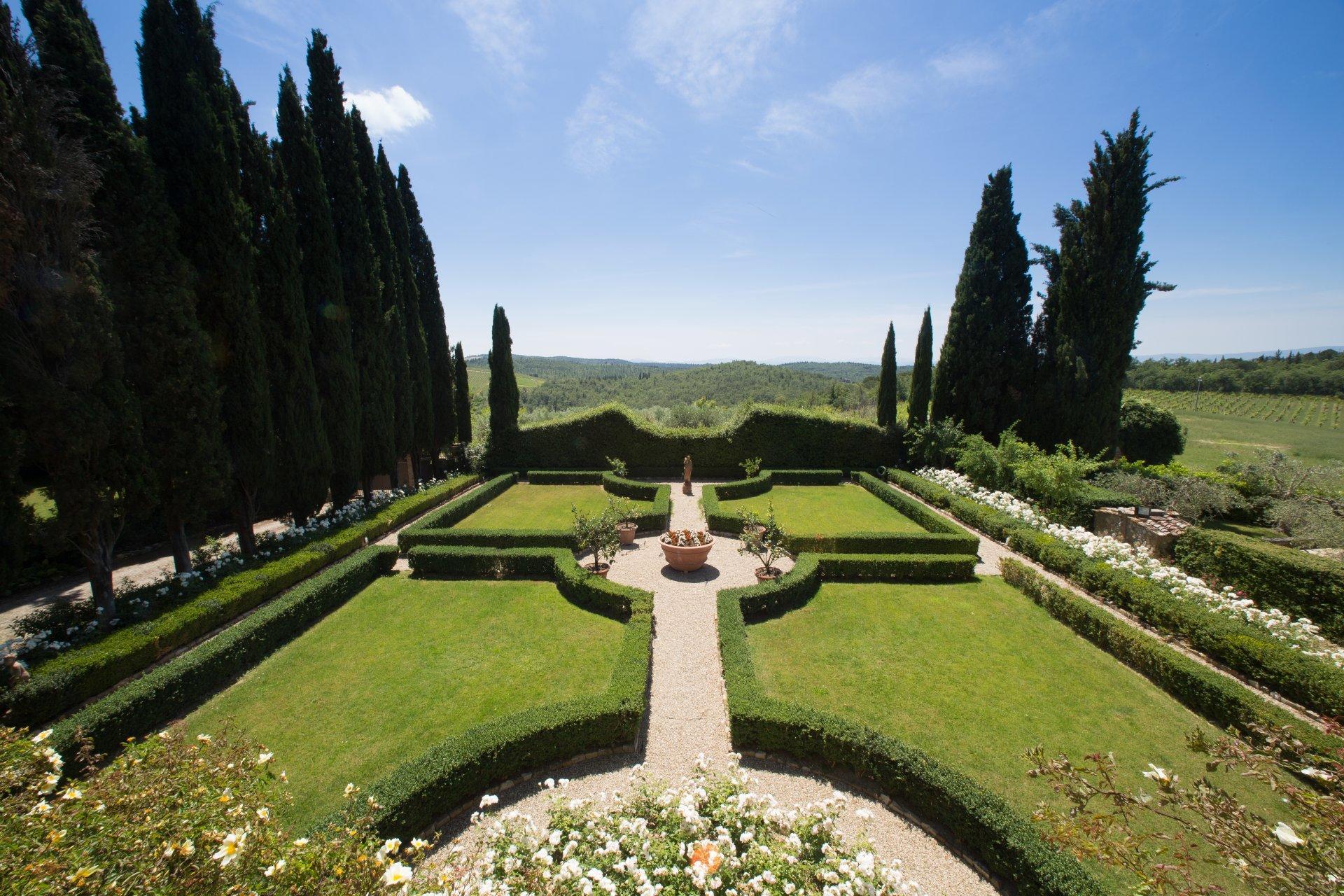 Garden, Castello Fusi, Tuscany, Barberino Val d'Elsa.