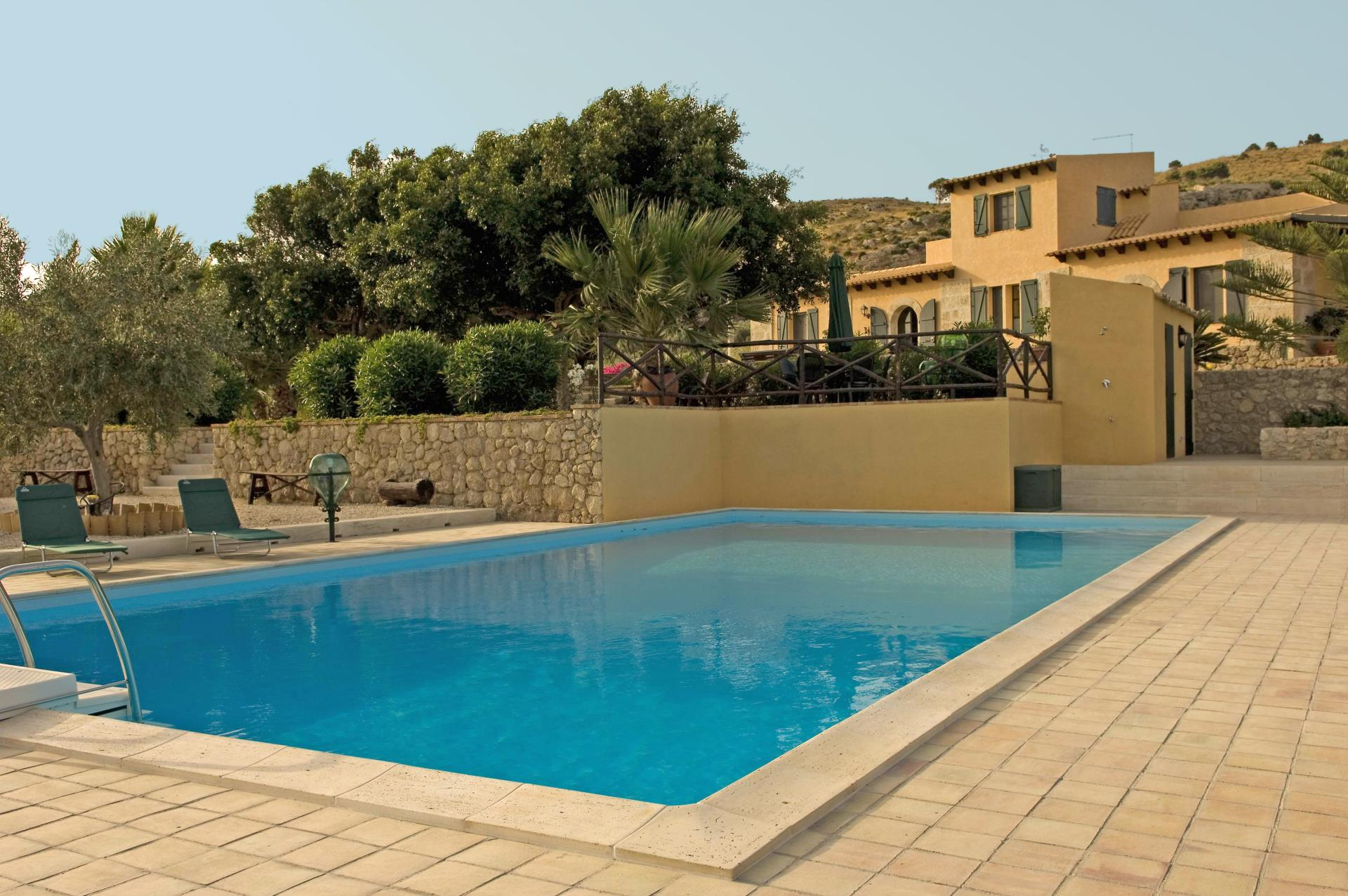Outdoor pool 1, Casa Licata, Sicily, Licata.