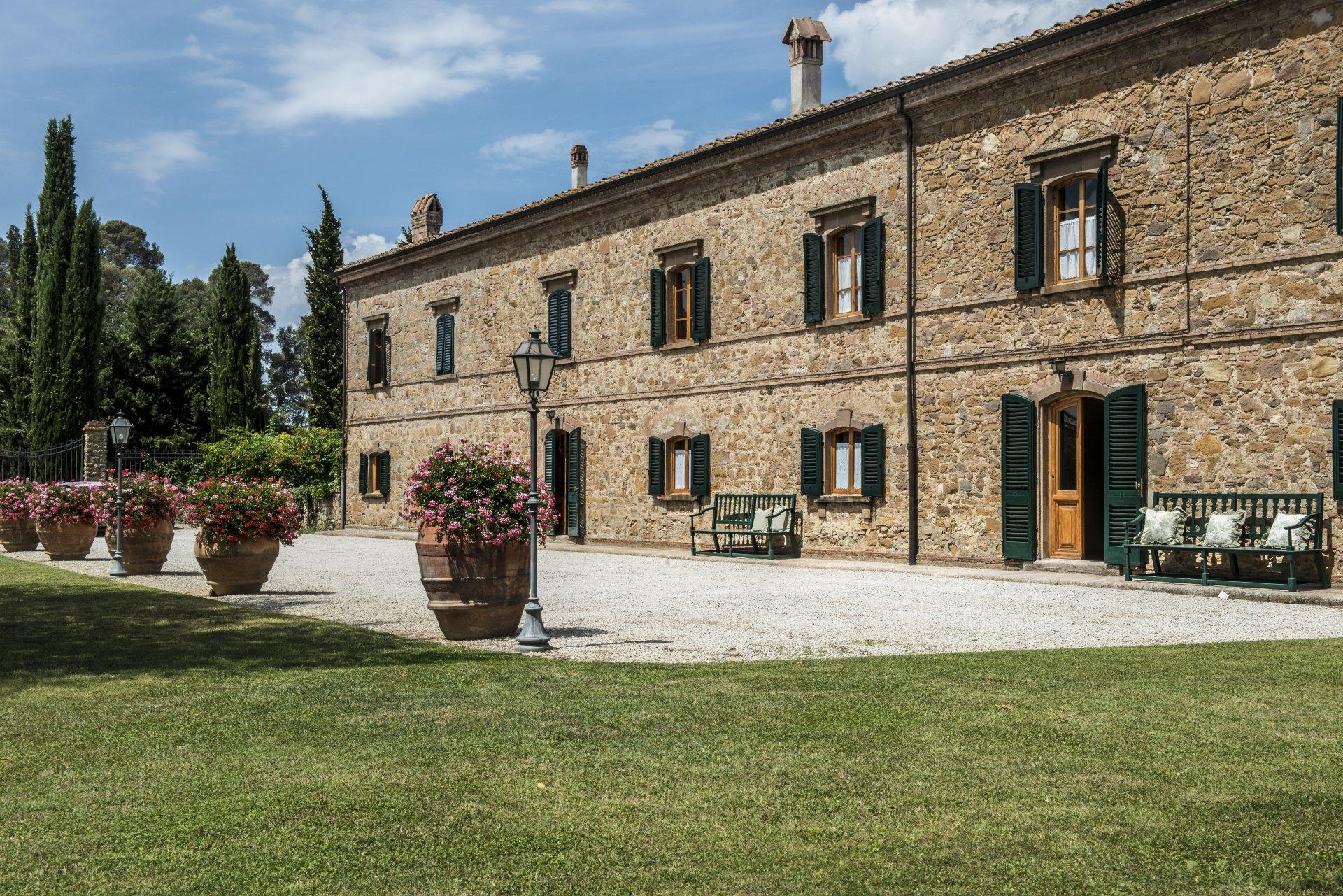 Villa exterior, Casa Francigena, Tuscany, Montaione.