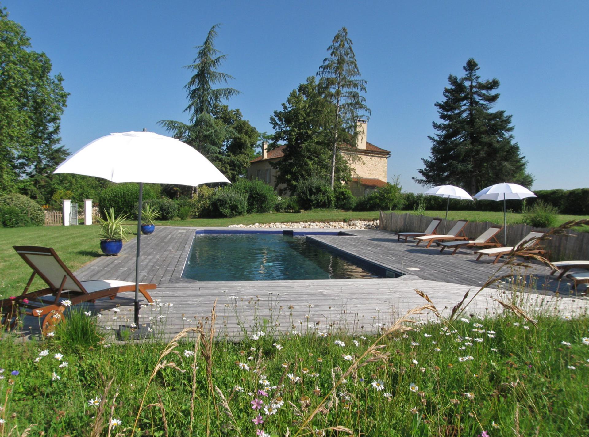 Outdoor Pool, Domaine de Maitre, Monpazier, Dordogne.