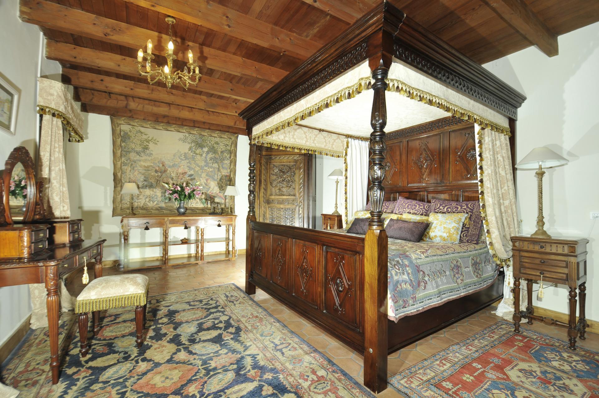 Bedroom 1, La Vieille Ferme, Saussignac, Dordogne.