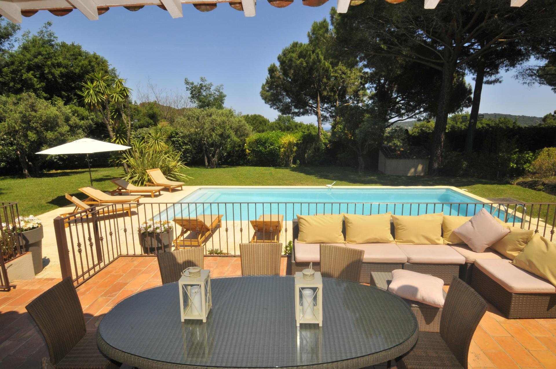 Outside Seating View, La Maison Des Vignes, Ramatuelle, St Tropez Var.