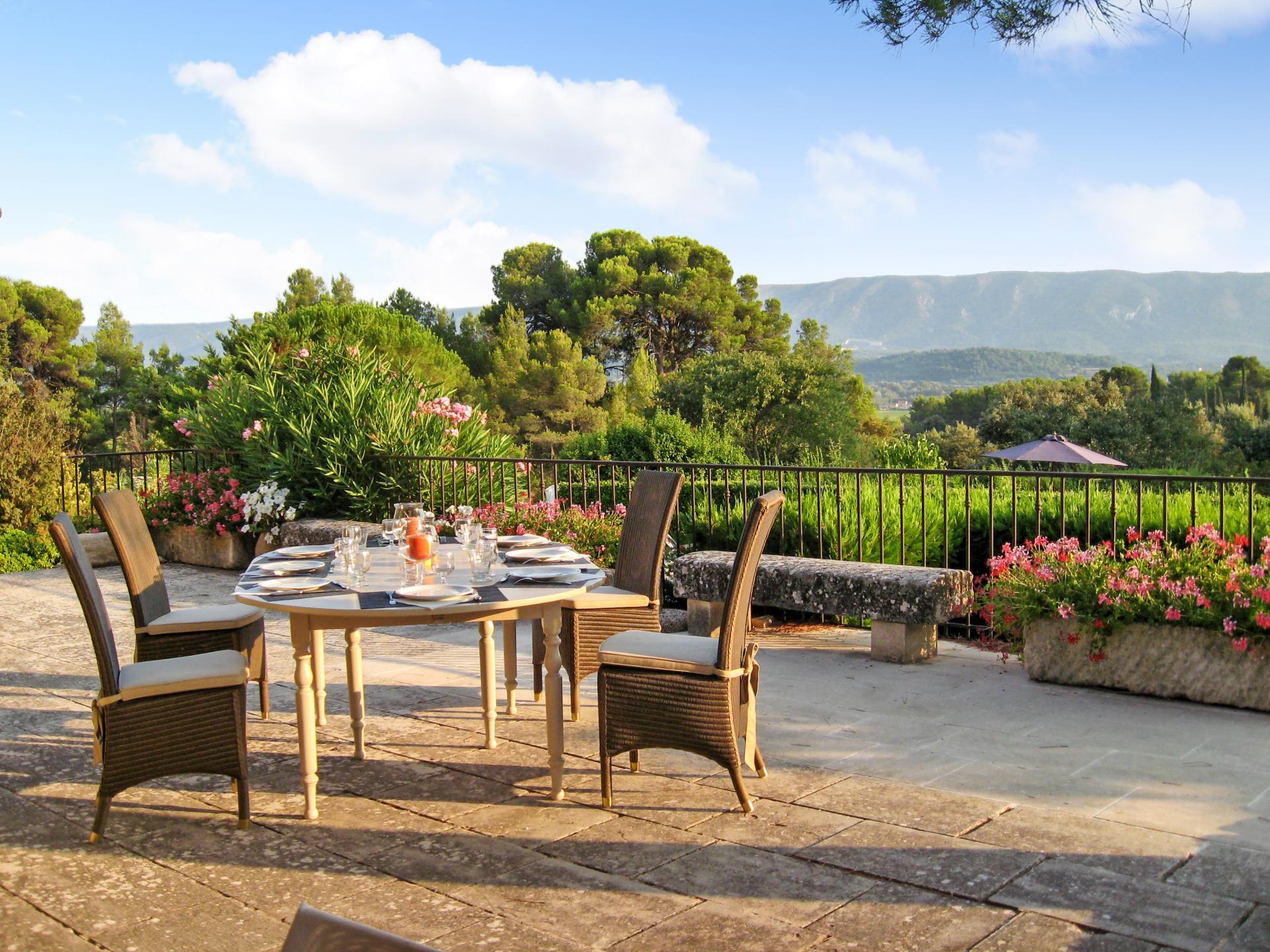 Outdoor Dining Table, Fleur de Gordes, Gordes, Provence.
