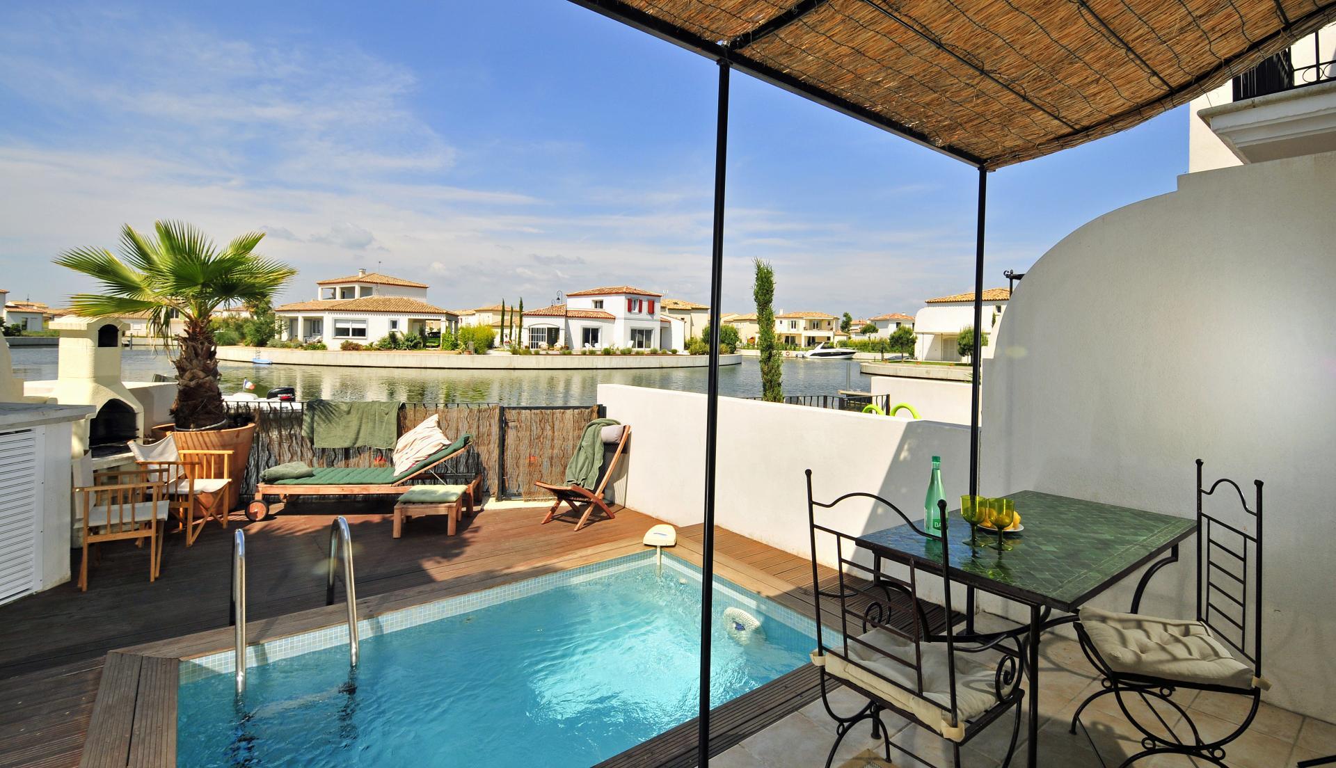 Pool Area, La Maison Occitane, Aigues Mortes, Provence.