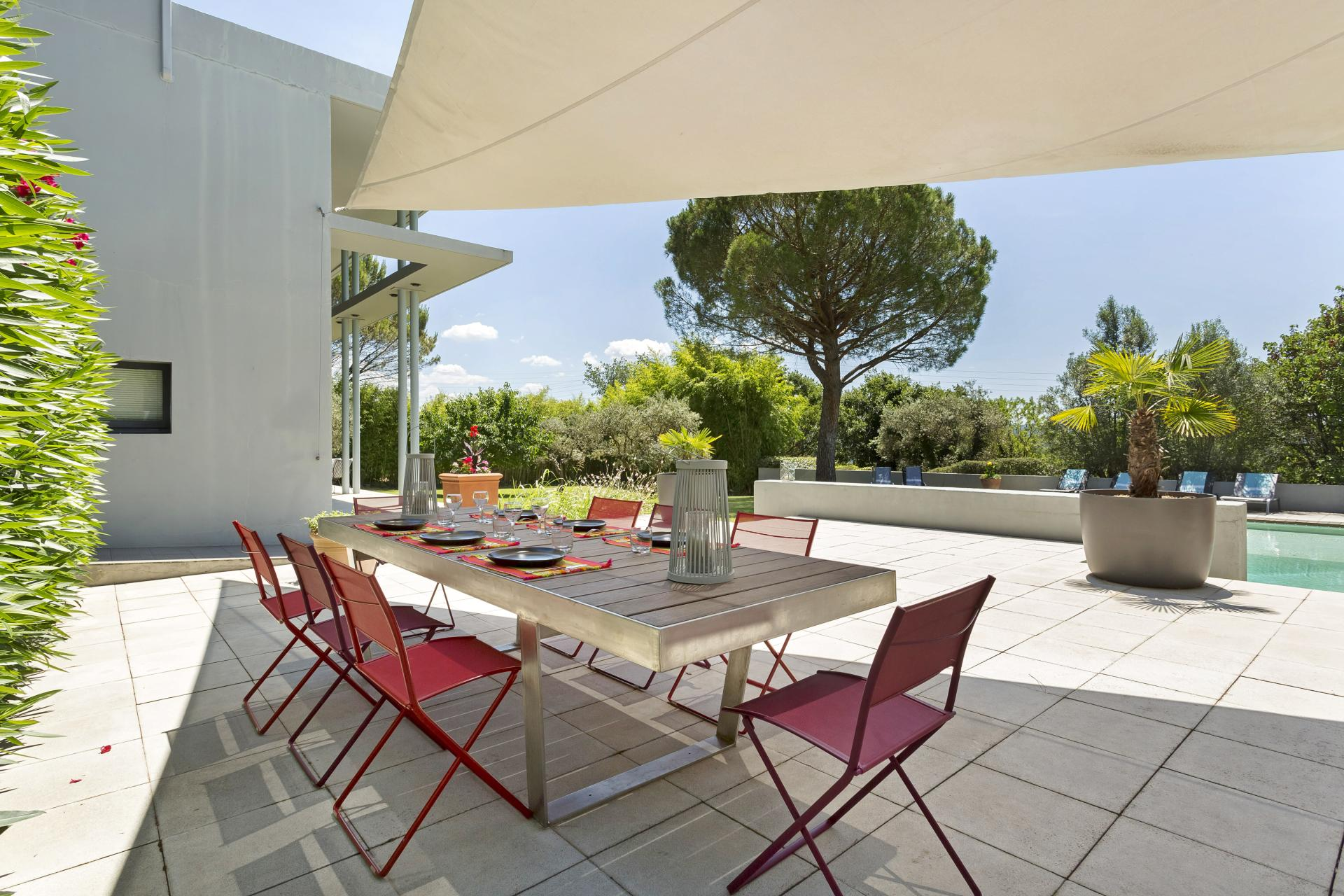 Outdoor Seating Area, Le Clocher, Cadenet, Luberon National Park, Provence.