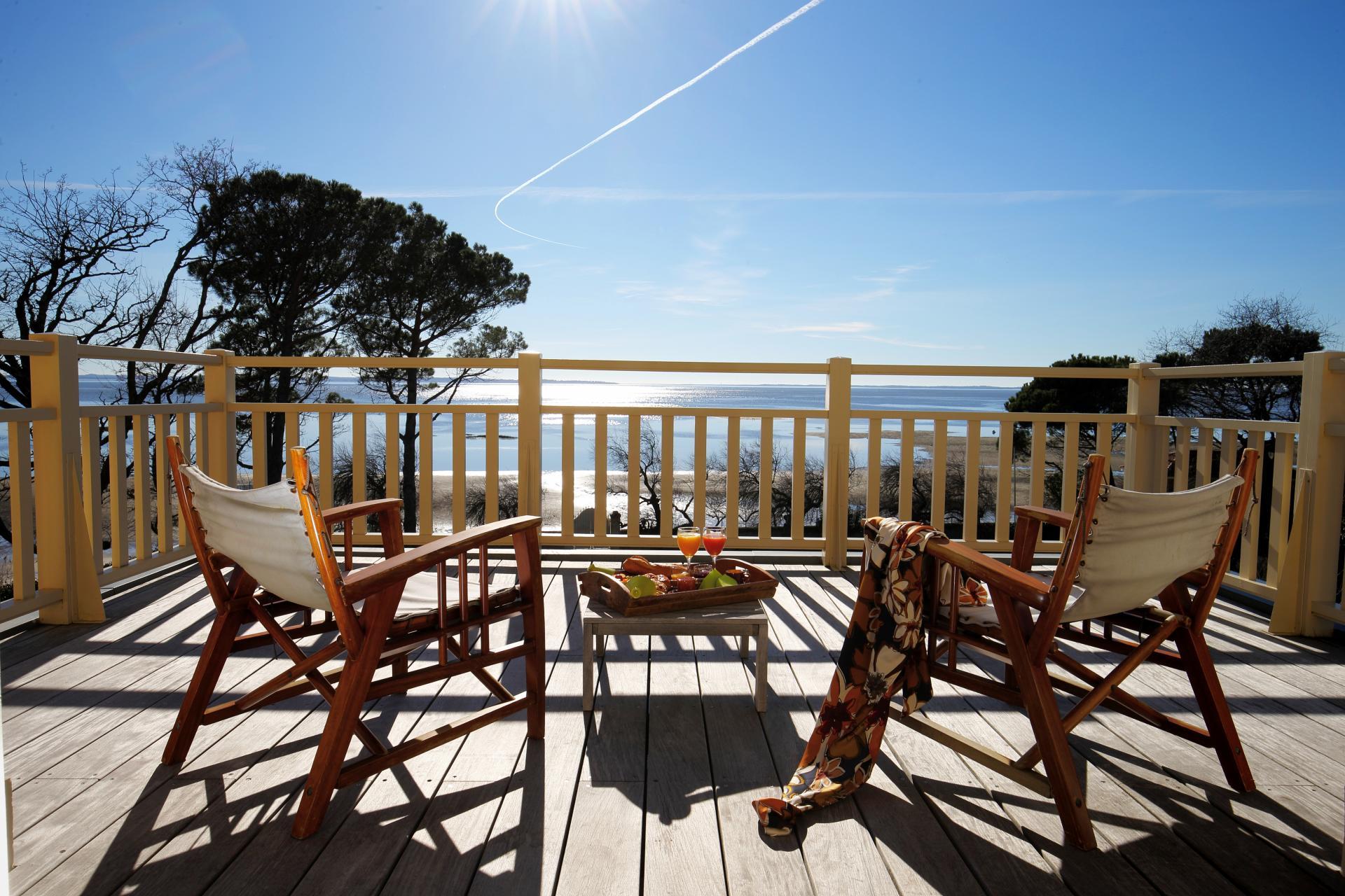 Seating Area, La Tour d'Arcachon, nr. Cap Ferret, Bordeaux / Gironde.