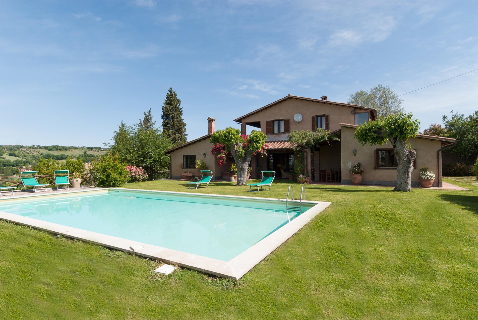 Outdoor Pool, Il Girasole, Otricoli, Umbria.