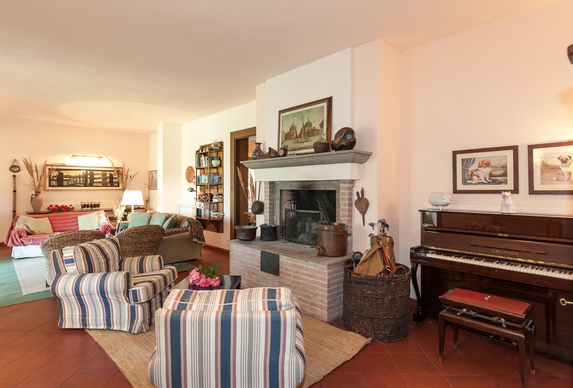 Living Room, Il Girasole, Otricoli, Umbria.